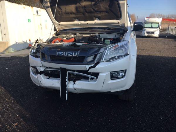 2015 Isuzu D-Max Blade Double Cab Pick Up